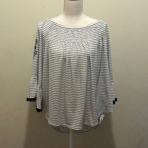 Maurices high low bell sleeve embroidered Sz XXL